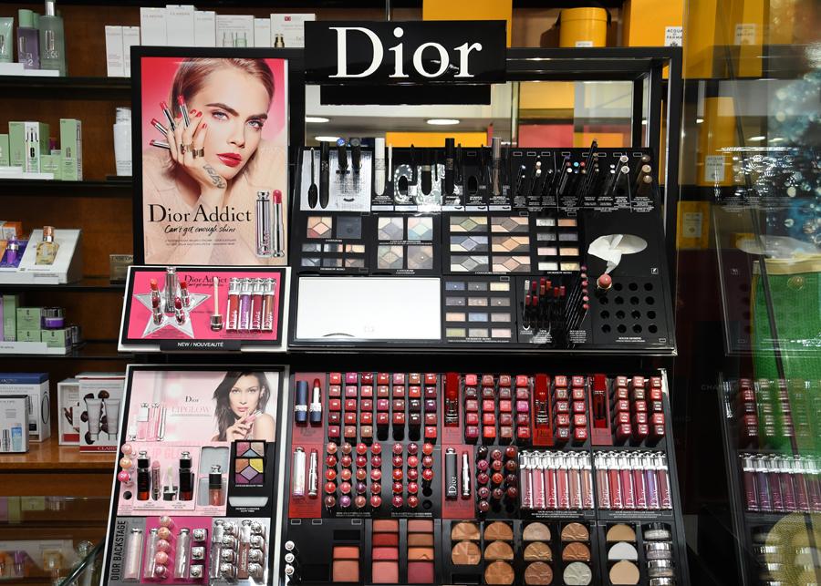 Marques: Chanel, Dior, Acqua di Parma, Tom Ford, Sisley, Hermés, Elie Saab, Lancome i altres.