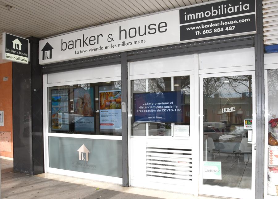 Façana immobiliària Banker & House de Cerdanyola